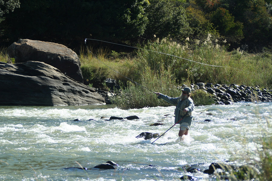 Mark Calverley Fly  Fishing Tugela for scalies